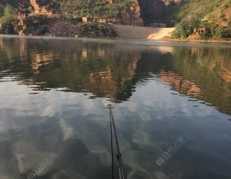 難得川口水庫空軍,沒魚貨卻收獲快樂。 自制餌料釣鰱鳙魚