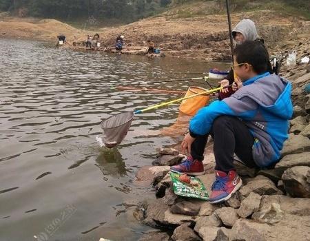全家总动员,石塘水库我们来了 老鬼饵料钓鲤鱼