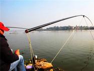 大炮竿也能爆护?试试这种方法钓鱼!