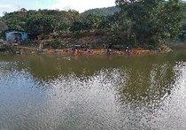 金钩钓鱼场农家院