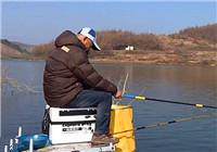 《垂钓学院》第三季76期 低温野钓用漂解析