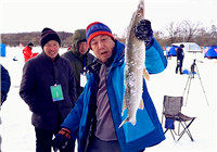 《去钓鱼》第156期 虎林冰钓嘉年华 本土钓友率先中鱼