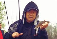 《游钓中国》第二季第49集 乡间小河传统钓  大毛利用旧太空豆变废为宝