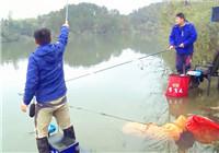 《我的7日江湖》第二季10期 宝飞龙队连竿上黄尾 队员意外擒获鲢鳙鱼(上)