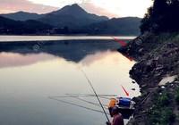 夏季钓鱼应该如何选择钓位