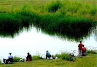 秋季江河钓鱼找钓点选装备技巧